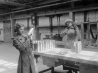 Female employees working on shell casings at a Vickers Ltd munitions factory, UK, circa 1915. (Photo by Hulton Archive/Getty Images)