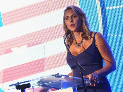 HOUSTON, TX - NOVEMBER 22: 60 Minutes Correspondent and Mistress of Ceremonies Lara Logan hosts the 2015 Helping A Hero Gala on November 22, 2015 in Houston, Texas. (Photo by Rick Diamond/Getty Images for Helping A Hero)