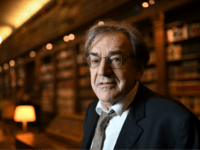 Member of the Academie Francaise (French Academy), French philosopher Alain Finkielkraut is pictured in the Academy's library on December 1, 2016 prior to the institution's annual public session in Paris. / AFP / Eric FEFERBERG (Photo credit should read ERIC FEFERBERG/AFP/Getty Images)