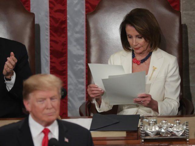 Nancy Pelosi papers SOTU (Chip Somodevilla / Getty)