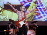 NEW YORK, NY - JUNE 01: Peter Tork of The Monkees performs live on stage at Town Hall on June 1, 2016 in New York City. (Photo by Matthew Eisman/Getty Images)