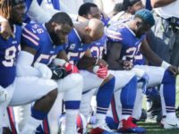 Poll Claims Americans Split Over Whether Players Stand for the Anthem