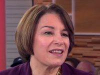 Klobuchar: 'We Need Universal Healthcare in This Country'