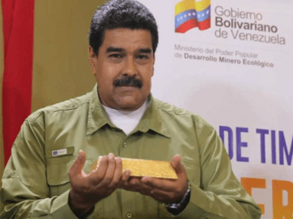 Venezuelan President Nicolás Maduro hefts a bar of gold purportedly dug and processed in the Arco Minero, though experts have their doubts.