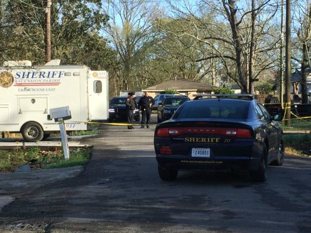 WBRZ reports that 20-year-old Major Payton made entry into a trailer occupied by a 60-year-old man around 3:00 a.m. Sheriff Bobby Webre said both men began shooting and both men were hit. Payton was struck in the chest and died at the scene. The 60-year-old was struck in the stomach …