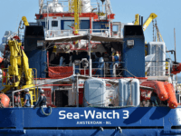 Merkel Demands Sea Watch Captain's Release, Asylum Seeker Calls for EU-Wide Migrant Distribution