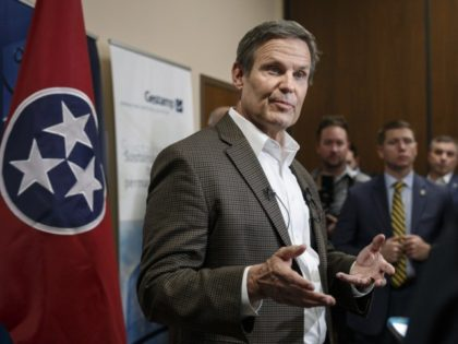 Tennessee gov. says he regrets wearing Confederate uniform
