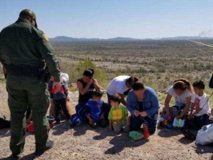 Ajo Station Border Patrol agents apprehend two large groups of Central American migrant families after they illegally crossed the border from Mexico. (Photo: U.S. Border Patrol/Tucson Sector)
