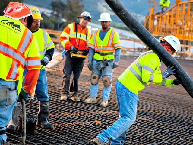 Gallup: 4-in-9 Blue Collar Americans Want Less Immigration to U.S.