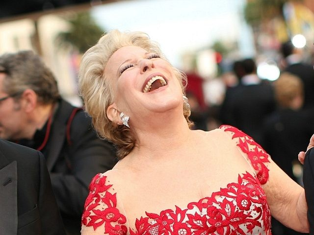 HOLLYWOOD, CA - MARCH 02: Actress Bette Midler (C) attends the Oscars at Hollywood & Highland Center on March 2, 2014 in Hollywood, California. (Photo by Christopher Polk/Getty Images)