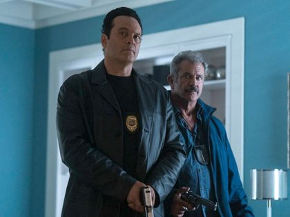 Mel Gibson and Vince Vaughn in Dragged Across Concrete (2018)