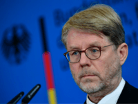 Hans-Eckhard Sommer, designated leader of the German Office for Migrants and Refugees (Bundesamt fuer Migration und Fluechltinge, BAMF), gives a joint press conference with the German Interior Minister on June 20, 2018 in Berlin. - Sommer will replace Jutta Cordt, who was sacked by German Interior Minister Horst Seehofer before. …