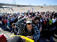 Migrants Crossing Ramon EspinosaAP