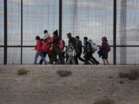 At Least 1.1K Border Crossers, Illegal Aliens Released into U.S. over Weekend