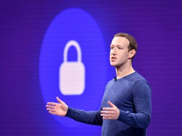 68% of Outside Facebook Investors Want Mark Zuckerberg Out as