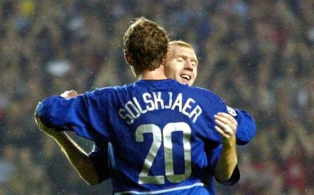 Solskajer offers helping hand to former team-mate Scholes