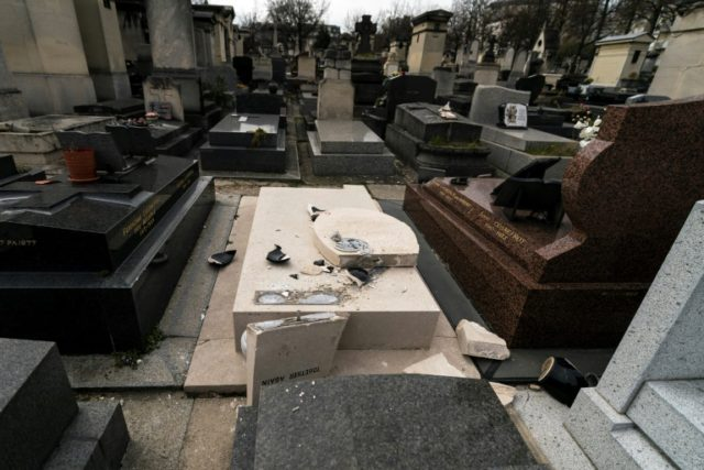 Paris tomb of US artist Man Ray desecrated
