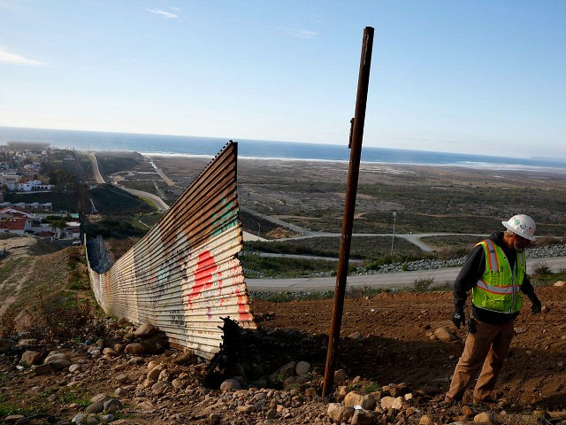 Pentagon Green Lights $1B for Trump Border Wall