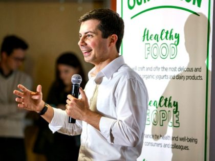 LONDONDERRY, NH - APRIL 19: Democratic Presidential candidate, South Bend Mayor Pete Buttigieg speaks during a campaign stop at Stonyfield Farms on April 19, 2019 in Londonderry, New Hampshire. Recent polls are showing Buttigieg is gaining ground with Democrats in the presidential nominating states of Iowa and New Hampshire. (Photo …