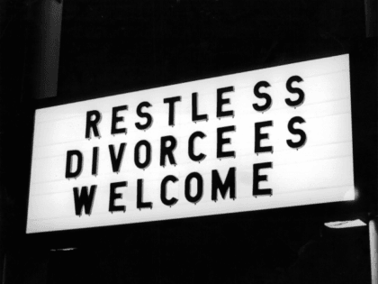 A view of a hotel sign in Reno, Nevada, famous for speedy divorces. Circa 1940.(Photo by Express/Hulton Archive/Getty Images)