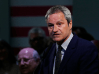 Gavin Esler, candidate of the new pro-EU political party, Change UK speaks at the launch of their European election campaign in Bristol on April 23, 2019. (Photo by Adrian DENNIS / AFP) (Photo credit should read ADRIAN DENNIS/AFP/Getty Images)