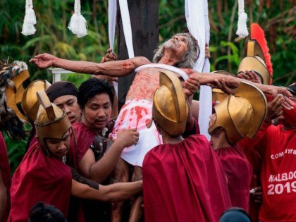 PHOTOS: Philippines Crucifies Nine to Observe Good Friday