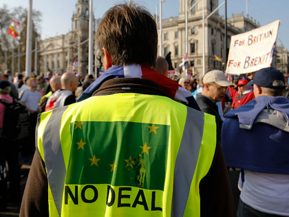 Pro-Brexit demonstrators gather outside the House of Commons in central London on March 29, 2019 after MPs rejected the EU Withdrawl Agreement for a third time. - British MPs on Friday rejected Prime Minister Theresa May's EU divorce deal for a third time, opening the way for a long delay …