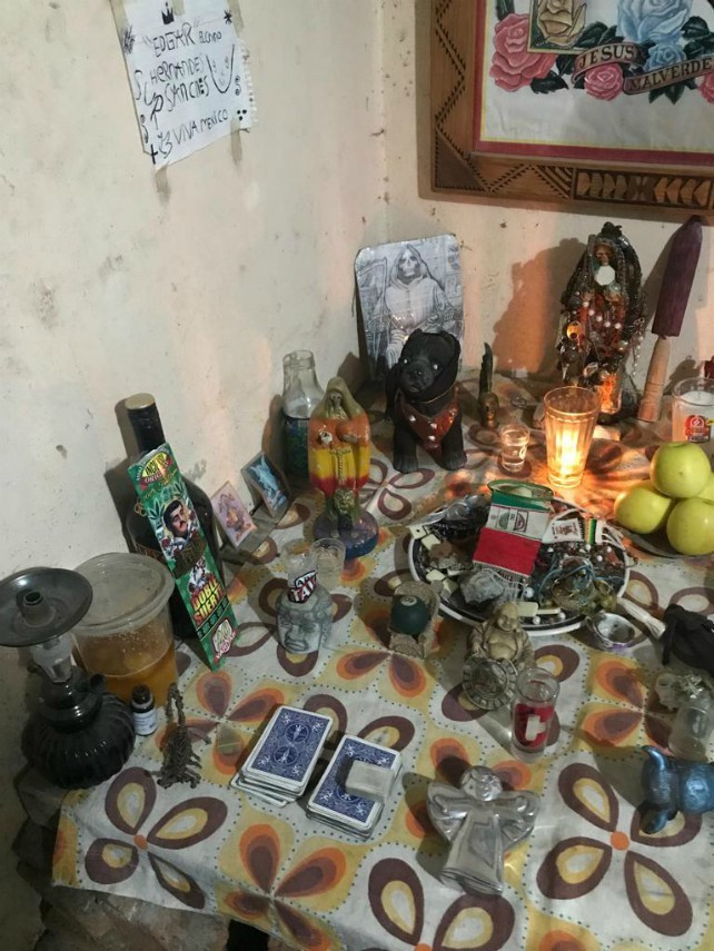 GRAPHIC -- Cartel Gunmen Kill Narco-Fortune Teller in Central Mexico
