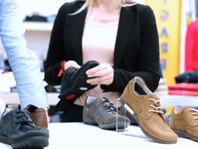 The discount shoe retailer Payless ShoeSource is set to close all of its stores when its files for bankruptcy later this month. Veuer's Mercer Morrison has the story.