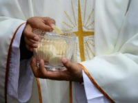 Catholic Leaders Urge Bishops to Restore Sacraments During Pandemic