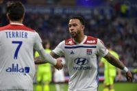 Depay helps Lyon end winless streak
