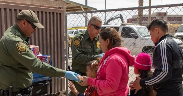 photo image 'We've Lost Control of the Border,' Says Border Patrol Agent