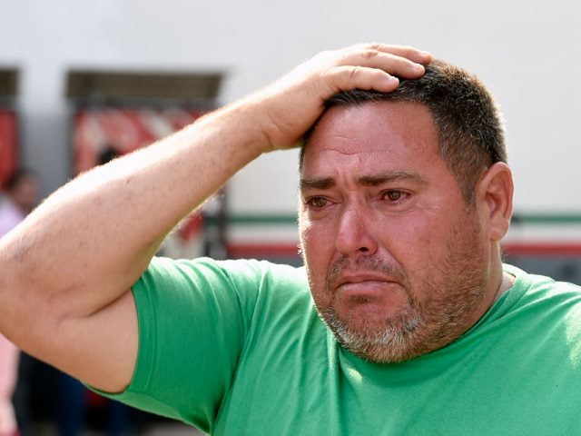 Cuban migrant Wilfredo Pinero speaks outside a detention center in Tapachula, Chiapas, Mexico on April 27, 2019. - Pinero escaped Thursday along hundreds compatriots from a Mexican National Migration Institute (INM) detention center, after threatening to set fire to the facility to protest against overcrowding, and since then lost contact …