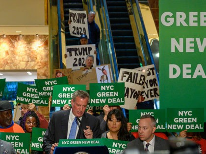 New York City Mayor Bill de Blasio speaks inside Trump Tower about the Green New Deal, serving notice to US President Donald Trump demanding more energy-efficient buildings, including Trump Tower, May 13, 2019 in New York. (Photo by Don Emmert / AFP) (Photo credit should read DON EMMERT/AFP/Getty Images)