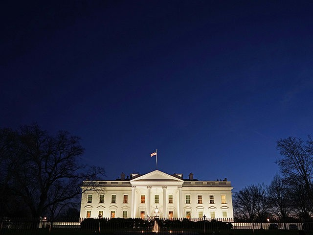 A January 11, 2016 photo shows the White House at dusk in Washington, DC. US President Barack Obama is set to deliver his final State of the Union address on January 12, 2016. AFP PHOTO/MANDEL NGAN / AFP PHOTO / Mandel NGAN (Photo credit should read MANDEL NGAN/AFP/Getty Images)