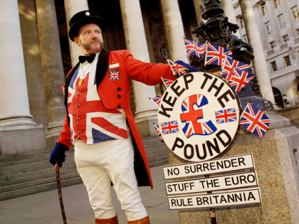 399144 04: Ray Egan poses as a traditional symbol of British patriotism, John Bull, during a demonstration against the euro January 2, 2002 outside the Bank of England in London. The protest, organized by The Campaign for an Independent Britain, insists that Britain must retain its sovereignty by remaining outside …