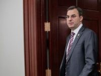 Justin Amash Makes Case for Impeachment to Students on Capitol Steps
