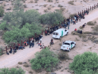 Border Patrol agents in Arizona continue to apprehend large groups of mostly Central American migrant families. (Photo: U.S. Border Patrol/Tucson Sector)