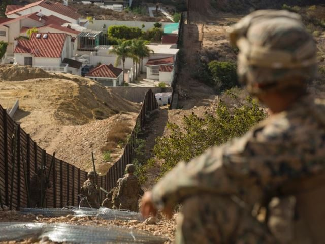 A group of U.S. Marines working along the California-Mexico border. (Photo: U.S. Marine Corps/Brendan Mullin)