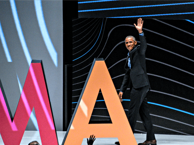 BOGOTA, COLOMBIA - MAY 28: Former U.S. President Barack Obama waves at the end of his conference on EXMA Congress Bogota 2019 at Arena Movistar on May 28, 2019 in Bogota, Colombia. (Photo by Guillermo Legaria/Getty Images)