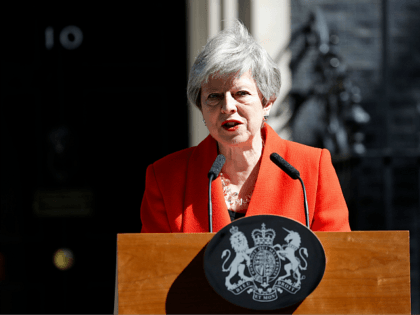Britain's Prime Minister Theresa May announces her resignation outside 10 Downing street in central London on May 24, 2019. - Beleaguered British Prime Minister Theresa May announced on Friday that she will resign on June 7, 2019 following a Conservative Party mutiny over her remaining in power. (Photo by Tolga …
