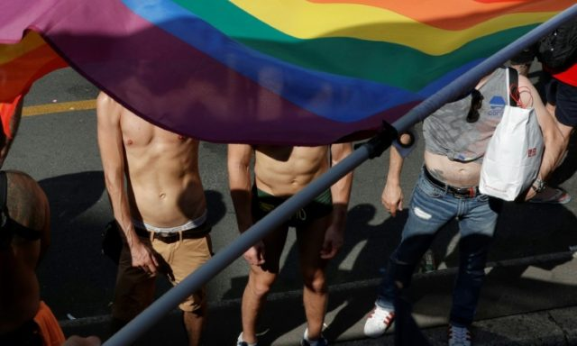 Record number of attacks on gays in France: report