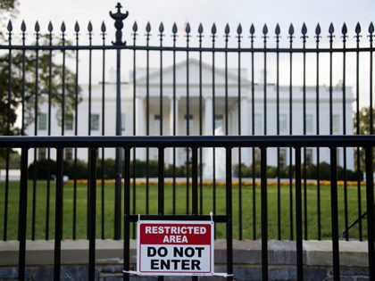 Secret Service: Individual Arrested After Attempt to Jump Fence Near White House