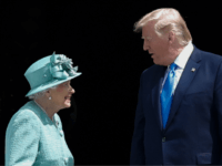 Britain's Queen Elizabeth II (L) speaks with US President Donald Trump (R) during a welcome ceremony at Buckingham Palace in central London on June 3, 2019, on the first day of the US president and First Lady's three-day State Visit to the UK. - Britain rolled out the red carpet …