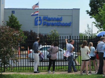 Planned Parenthood Warns of 'Public Health Crisis' After Choice to Drop Title X Funding