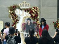 Michael Jackson Tributes Pour in, Despite Scandal, 10 Years After His Death
