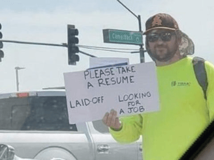 PHOENIX (KAKE) - An Arizona man who was laid off has landed a new job after he stood in 110-degree heat to panhandle his resume.