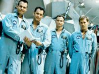 Kevin Bacon, Tom Hanks, Bill Paxton, and Gary Sinise in Apollo 13 (Universal Pictures, 1995)