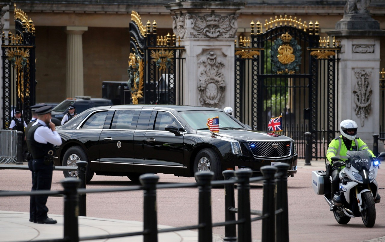 US President Donald Trump and US First Lady Melania Trump leave in their motorcade from Buckingham Palace to visit Westminster Abbey in central London on June 3, 2019, on the first day of the US president and First Lady's three-day State Visit to the UK. - Britain rolled out the red carpet for US President Donald Trump on June 3 as he arrived in Britain for a state visit already overshadowed by his outspoken remarks on Brexit. (Photo by Isabel INFANTES / AFP) (Photo credit should read ISABEL INFANTES/AFP/Getty Images)