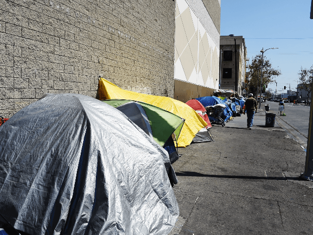 Tents occupied by homeless people line the street, September 23, 2015 in downtown Los Angeles. Los Angeles officials declared the homeless situation a public emergency. making Los Angeles the first city in the nation to take such a drastic step in response to its mounting problem with street dwellers. AFP …